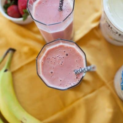 Strawberry & Banana Greek Yogurt Smoothie