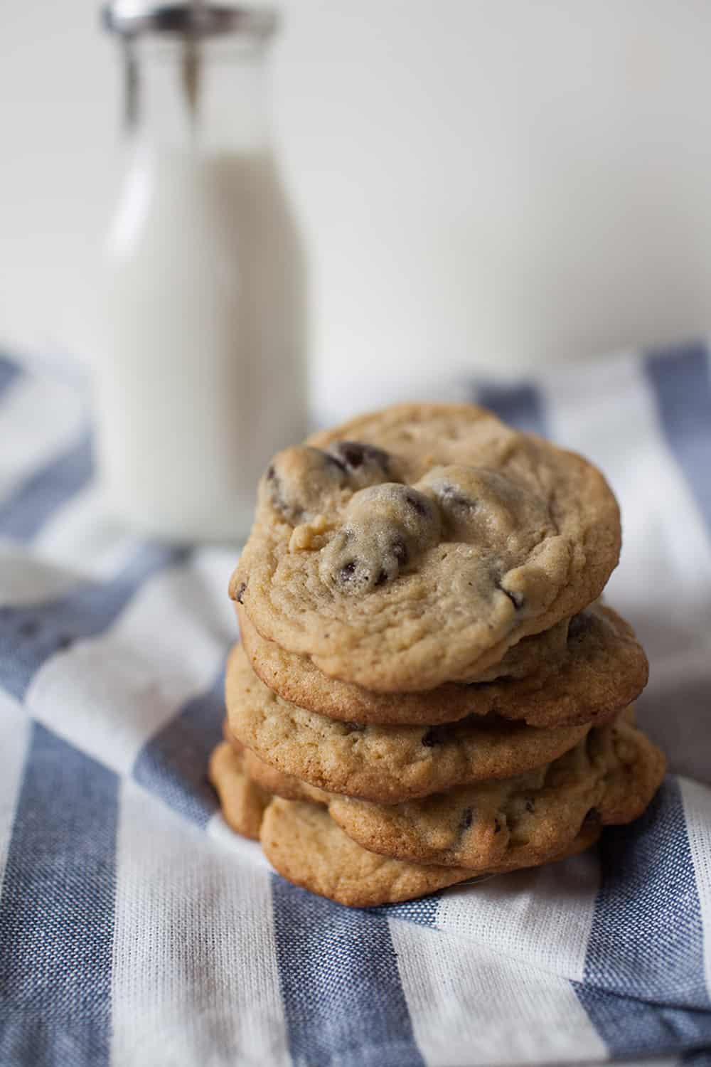 The best chocolate chip cookie recipe! This secret ingredient makes this cookies the perfect combination of soft and chewy, but crispy too!