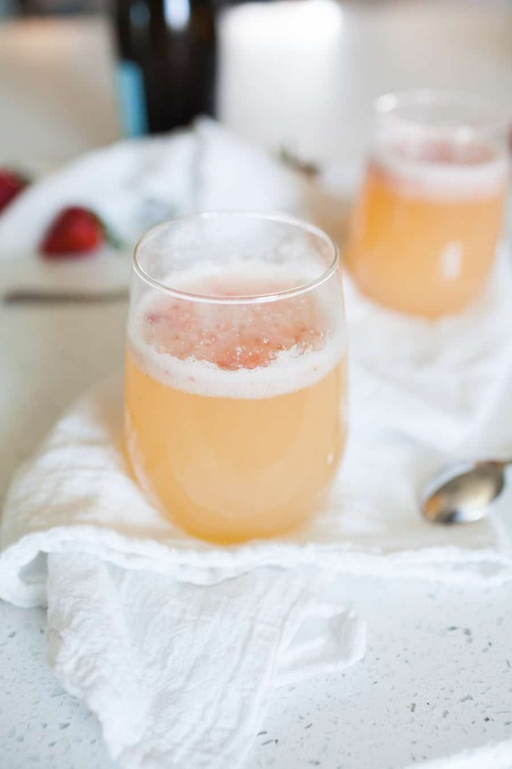 Planning a brunch soon? This Ginger Strawberry Bellini is the perfect brunch cocktail for any occasion! With a fresh strawberry pur?e, orange juice, ginger ale and Prosecco, this is not your average Bellini recipe!