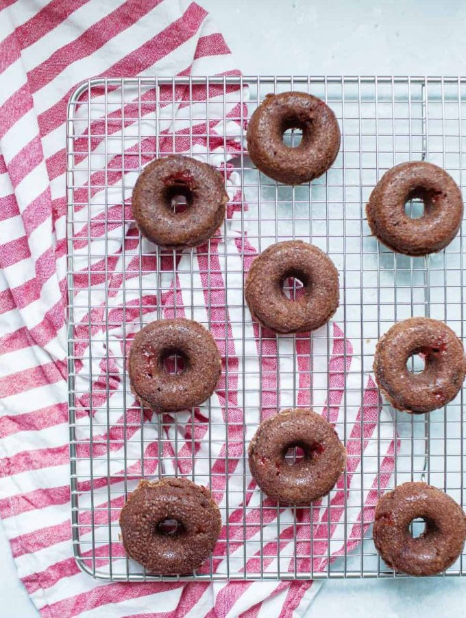 Strawberry Brownie Donuts are the perfect festive dessert for a party or just because! Making these brownie donuts is beyond simple because they're made using brownie mix with fresh strawberries added in and on top. This strawberry brownie donut mix is perfect as regular sized donuts or mini donuts, because everything is better in miniature form! These strawberry brownie donuts are rich, indulgent and perfectly sweet!?